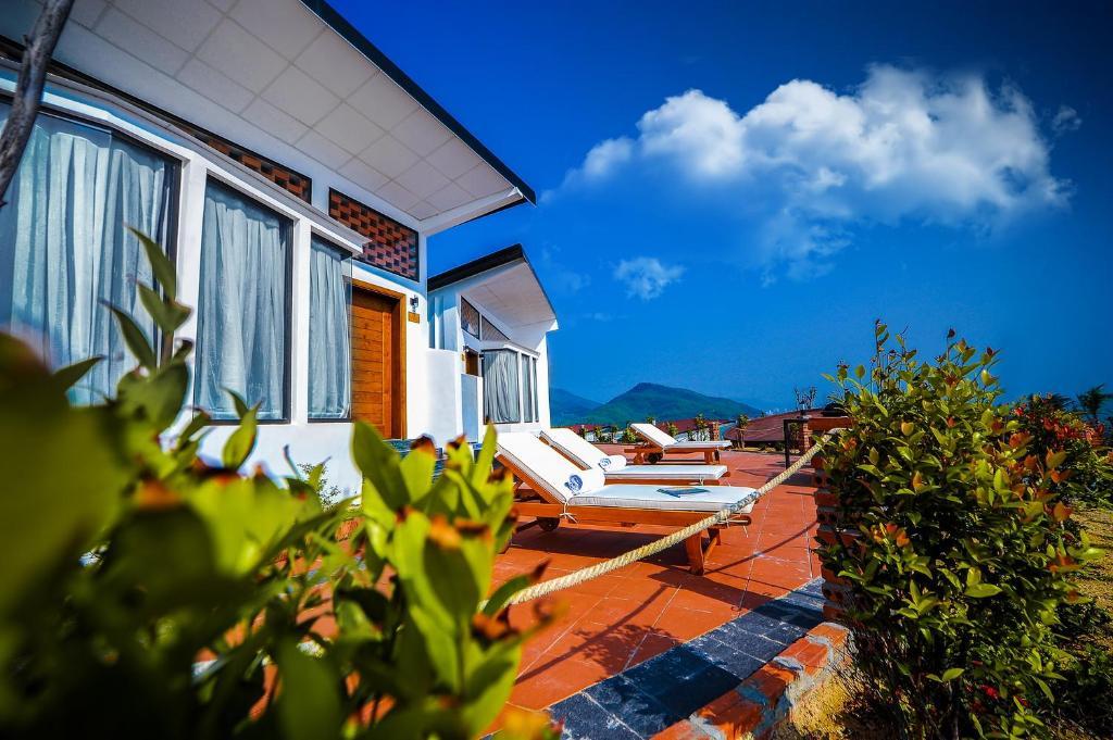Resort-Aurora-Villas-and-Resort