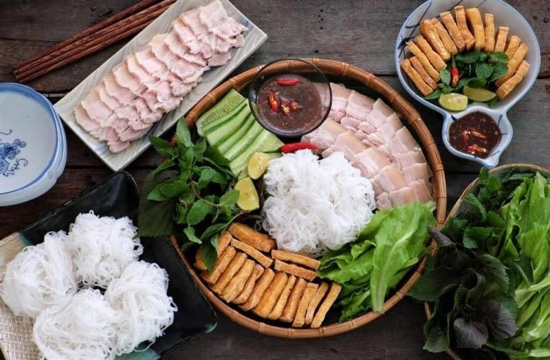 Top 5 địa điểm ăn trưa ở Quy Nhơn ngon, bổ, rẻ cần lưu lại